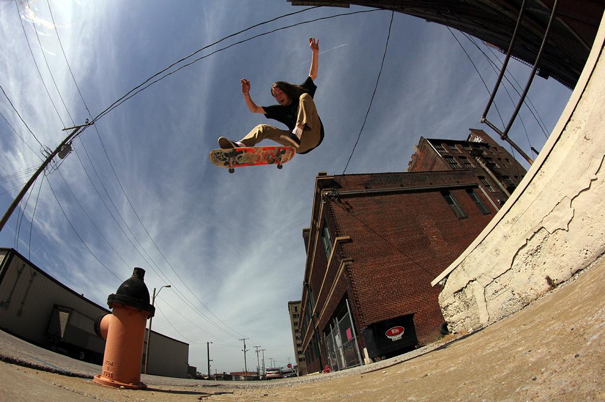 Steve Perdue | Kickflip Hydrant | photo: Ericson